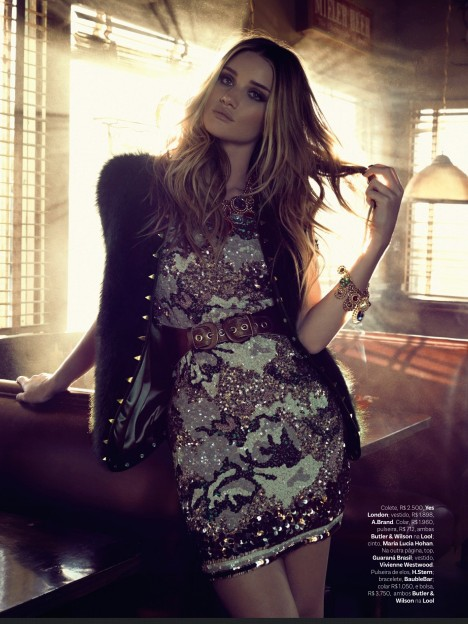 Rosie Huntington-Whiteley-2013-vogue3